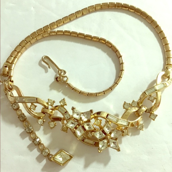 Vintage Trifari Star Gold Plated Necklace